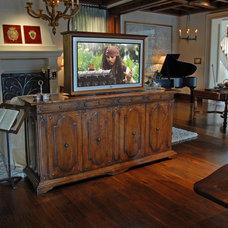 Mediterranean Living Room by VIA – San Francisco