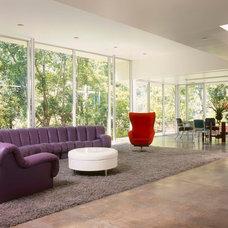 Modern Living Room by BiLDEN