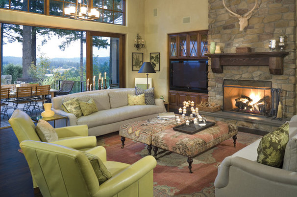 Traditional Living Room by Alan Mascord Design Associates Inc