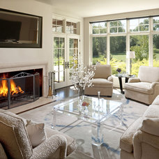 Traditional Living Room by Johnson Design Inc.