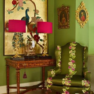 Mittelgroßes, Repräsentatives Stilmix Wohnzimmer mit grüner Wandfarbe und braunem Holzboden in Cheshire