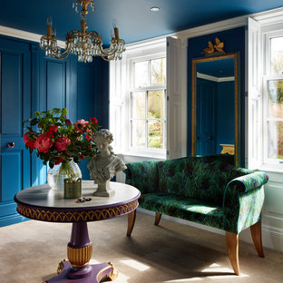 Mittelgroßes, Repräsentatives, Abgetrenntes Eklektisches Wohnzimmer mit blauer Wandfarbe und Teppichboden in Cheshire