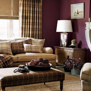 Esempio di un soggiorno chic con pareti viola