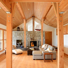 Traditional Living Room by JWT Architecture