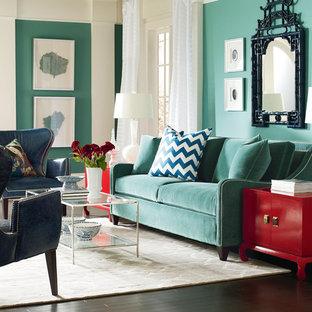 Idee per un soggiorno chic di medie dimensioni e chiuso con sala formale, pareti bianche, moquette, camino classico, cornice del camino in intonaco e nessuna TV
