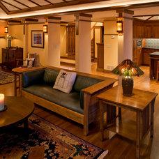 Craftsman Living Room by Joseph Metzler / SALA Architects