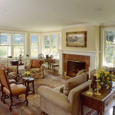 Traditional Living Room by JMA (Jim Murphy and Associates)