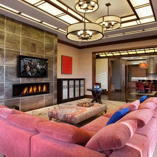サンディエゴの大きいアジアンスタイルのおしゃれなLDK (ベージュの壁、濃色無垢フローリング、横長型暖炉、タイルの暖炉まわり、壁掛け型テレビ、フォーマル、茶色い床) の写真