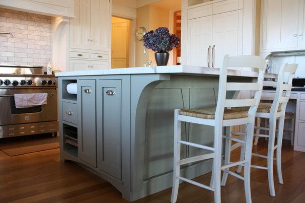 Craftsman Living Room by robert kelly