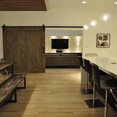 Modern Living Room by Modern Custom Homes, LLC