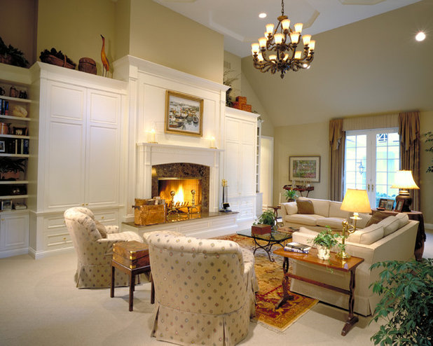 Traditional Living Room By Benvenuti And SteinHow To Choose Traditional  Living Room Furniture