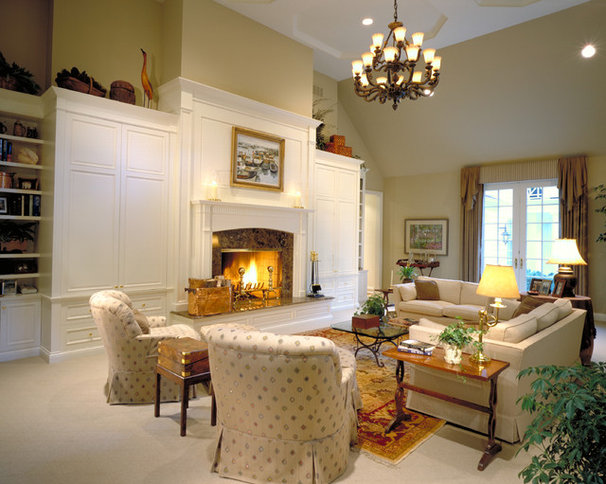 Traditional Living Room by Benvenuti and Stein