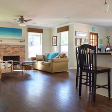 Beach Style Living Room by Sarah Greenman