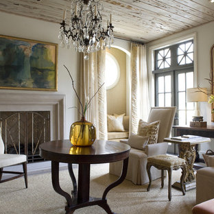 Idee per un soggiorno moderno chiuso con camino classico