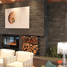 Modern Living Room by Realstone Systems
