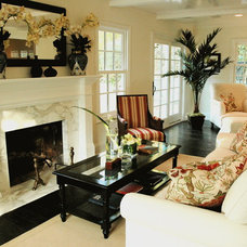 Living Room by Dave Lane Construction Co.