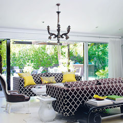 contemporary living room Decorate by Holly Becker and Joanna Copestick