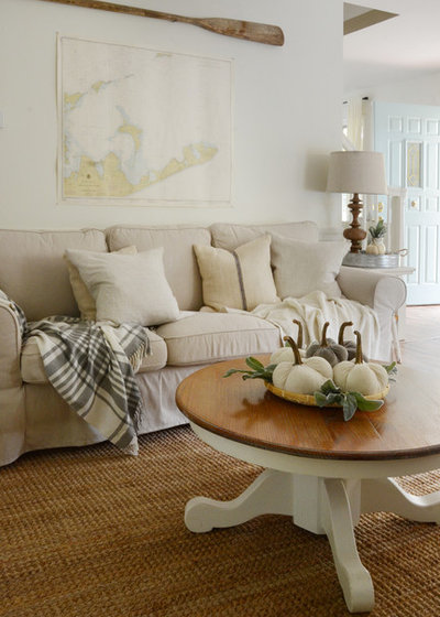 Shabby-chic Style Living Room by Design Fixation [Faith Provencher]