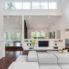 Modern Living Room by ALTUS Architecture + Design