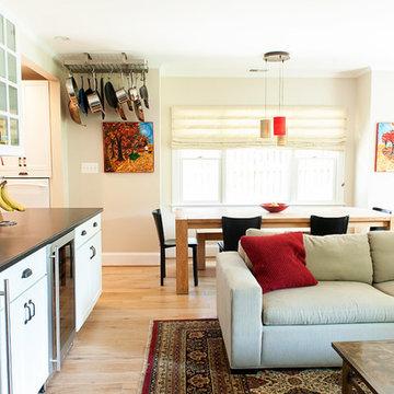 Del Ray Farm House: Living/ DIning Room
