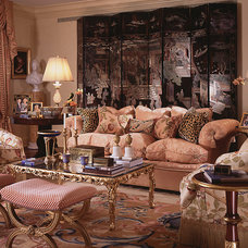 Traditional Living Room by William R. Eubanks Interior Design, Inc.