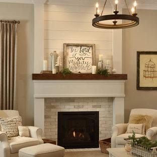 他の地域の大きいラスティックスタイルのおしゃれなLDK (フォーマル、ベージュの壁、カーペット敷き、標準型暖炉、レンガの暖炉まわり、テレビなし) の写真