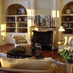 traditional living room by Designs by Gollum