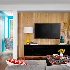 Midcentury Living Room by Stuart Sampley Architect