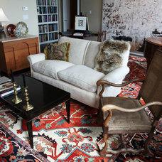 Eclectic Living Room by W STUDIO ltd.