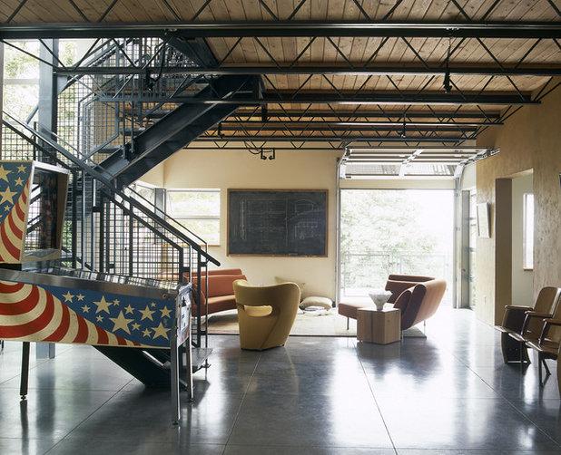 Industriel Salon by PLACE architect ltd.