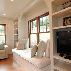 Traditional Living Room by Method Homes