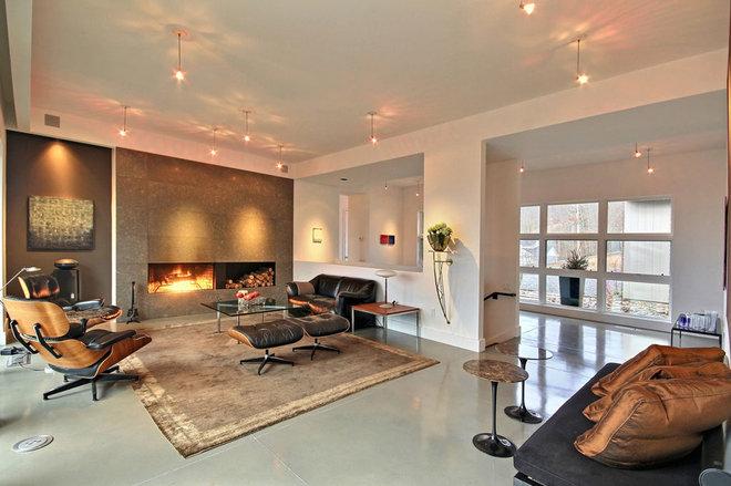 Modern Living Room by Timberlake Custom Homes, LLC