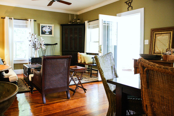 My Houzz: Heirlooms and Family Art Fill a 1920s Bungalow 1920s Bungalow Living Room