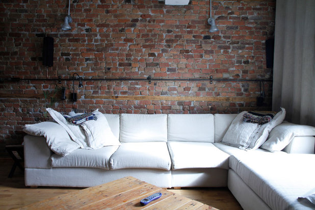 My houzz ecofriendly and salvaged style in a montreal triplex for Meuble brick montreal
