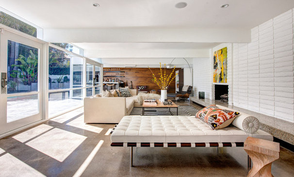 Contemporary Living Room by Christiano Homes, Inc.
