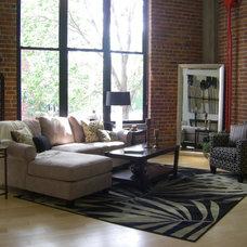 Contemporary Living Room by Leslie Regan