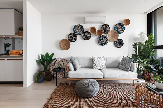 Beach Style Living Room by Maria Savelieva Photography