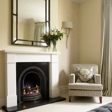 Traditional Living Room by Laura Hammett Ltd