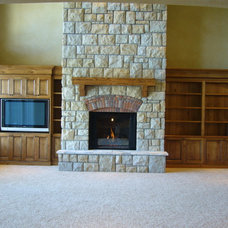 Traditional Living Room by Tradewinds General Contracting, Inc.