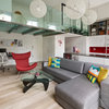 Houzz Tour: A Small Studio Apartment with a Mezzanine Bedroom