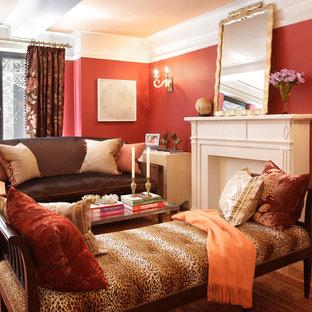Idee per un soggiorno chic con pareti rosse