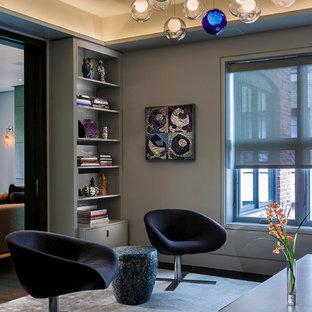 Ispirazione per un soggiorno contemporaneo chiuso con pareti grigie