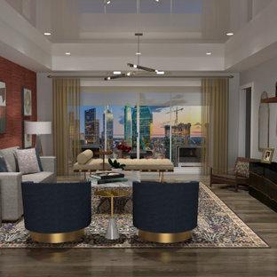 Ispirazione per un soggiorno bohémian di medie dimensioni e chiuso con pareti rosse, pavimento in legno massello medio, TV a parete e pavimento marrone