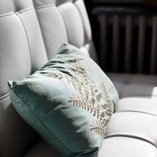 Eclectic Living Room by BiglarKinyan Design Planning Inc.