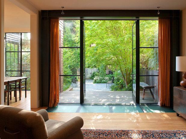 Eklektisch Wohnbereich by Jeff King & Company