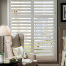 Traditional Living Room by DSC Window Fashions®