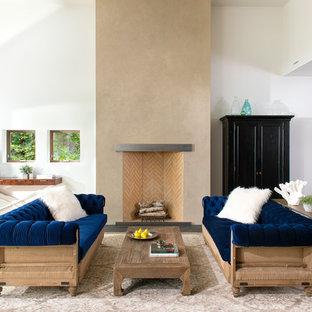 Idee per un soggiorno design aperto con sala formale, pareti bianche, parquet chiaro, camino classico, cornice del camino in mattoni, nessuna TV e pavimento beige