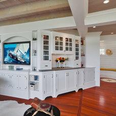 Beach Style Living Room by Pagliaro Bartels Sajda Architects, LLC