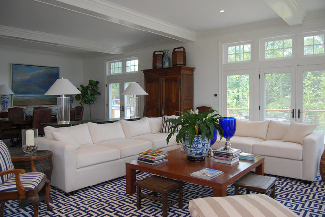 Traditional Living Room by Celebration Contracting