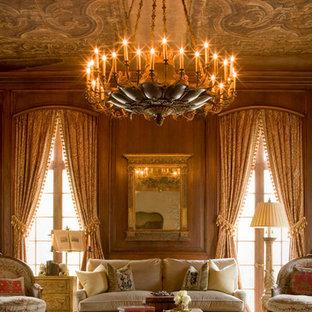 Idée de décoration pour un grand salon tradition fermé avec une salle de réception, un mur marron, aucune cheminée, aucun téléviseur et un sol en bois foncé.